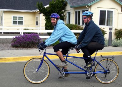 2-two-riders-on-a-tandem-bike72
