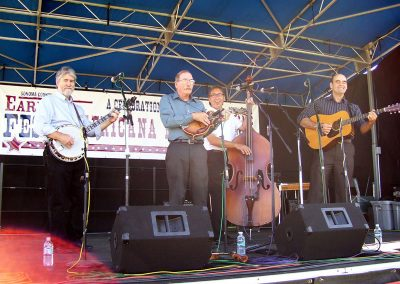 blue-lonesome-perform-traditional-bluegrass-music72