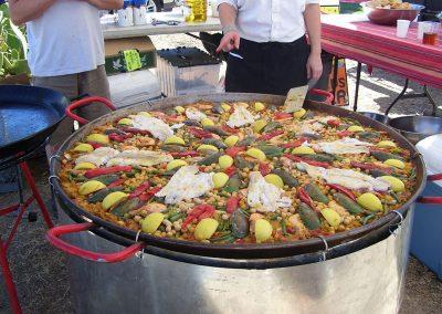 preparing-seafood-paella72