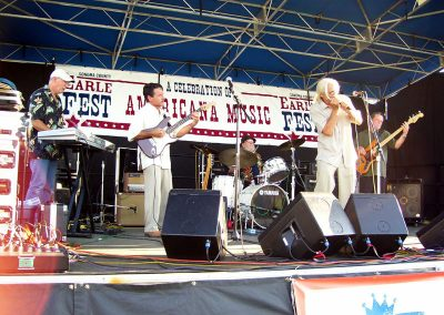 the-blues-defenders-perform-on-the-main-stage72
