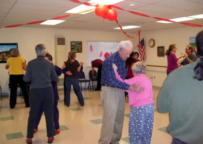 couples-learn-ballroom-dancing-at-the-ebc72